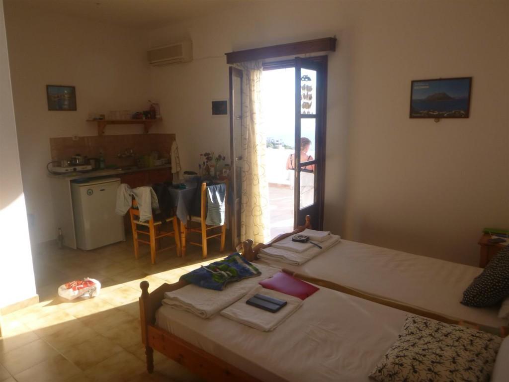 Ett av rummen på Moussas